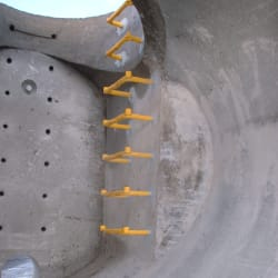 end entry manholes