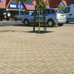 priora buff and brindle block paving - leicester