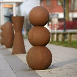 no.4 cast iron bollard