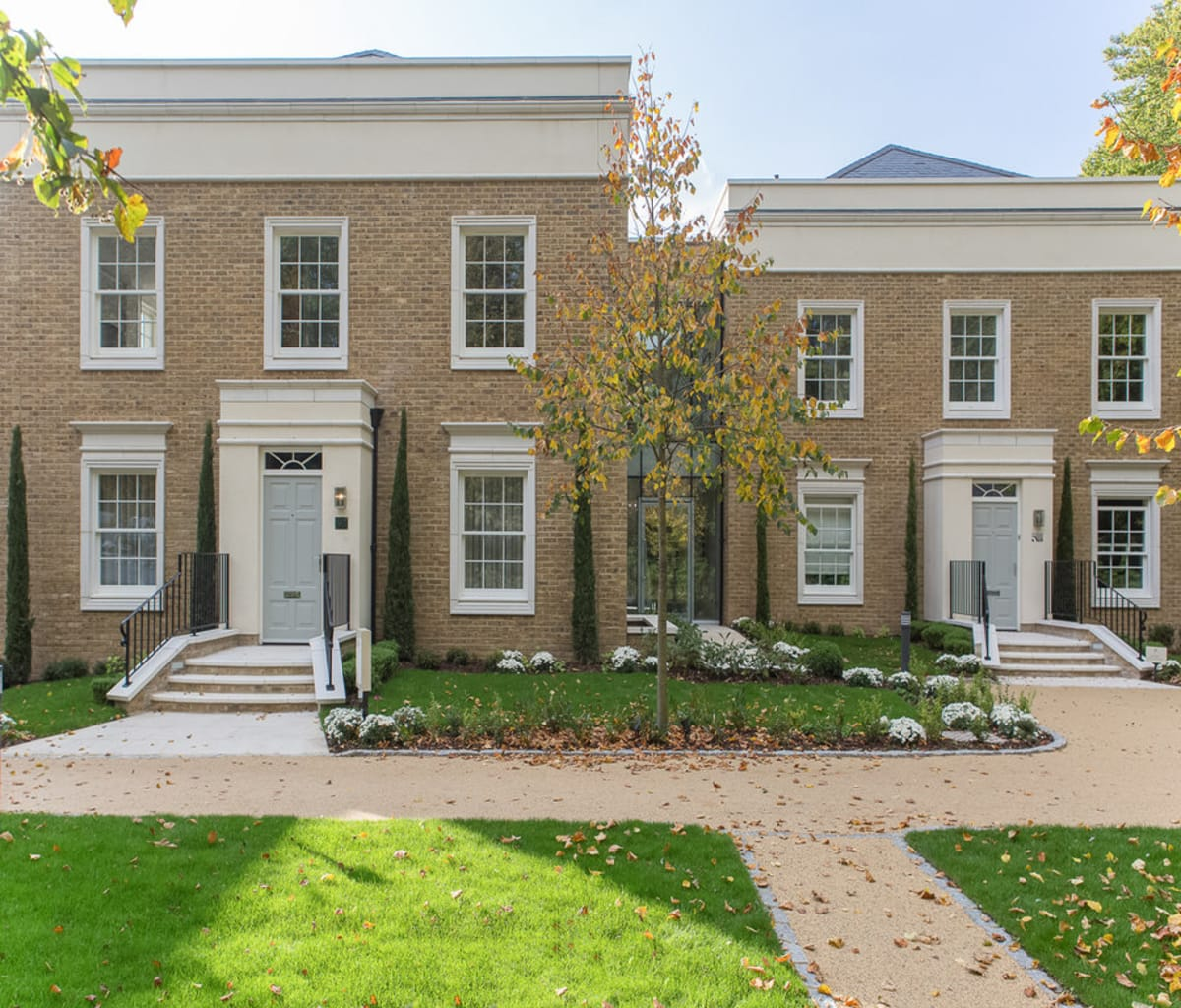 two and three-bedroom luxury apartments with cast stone detailing