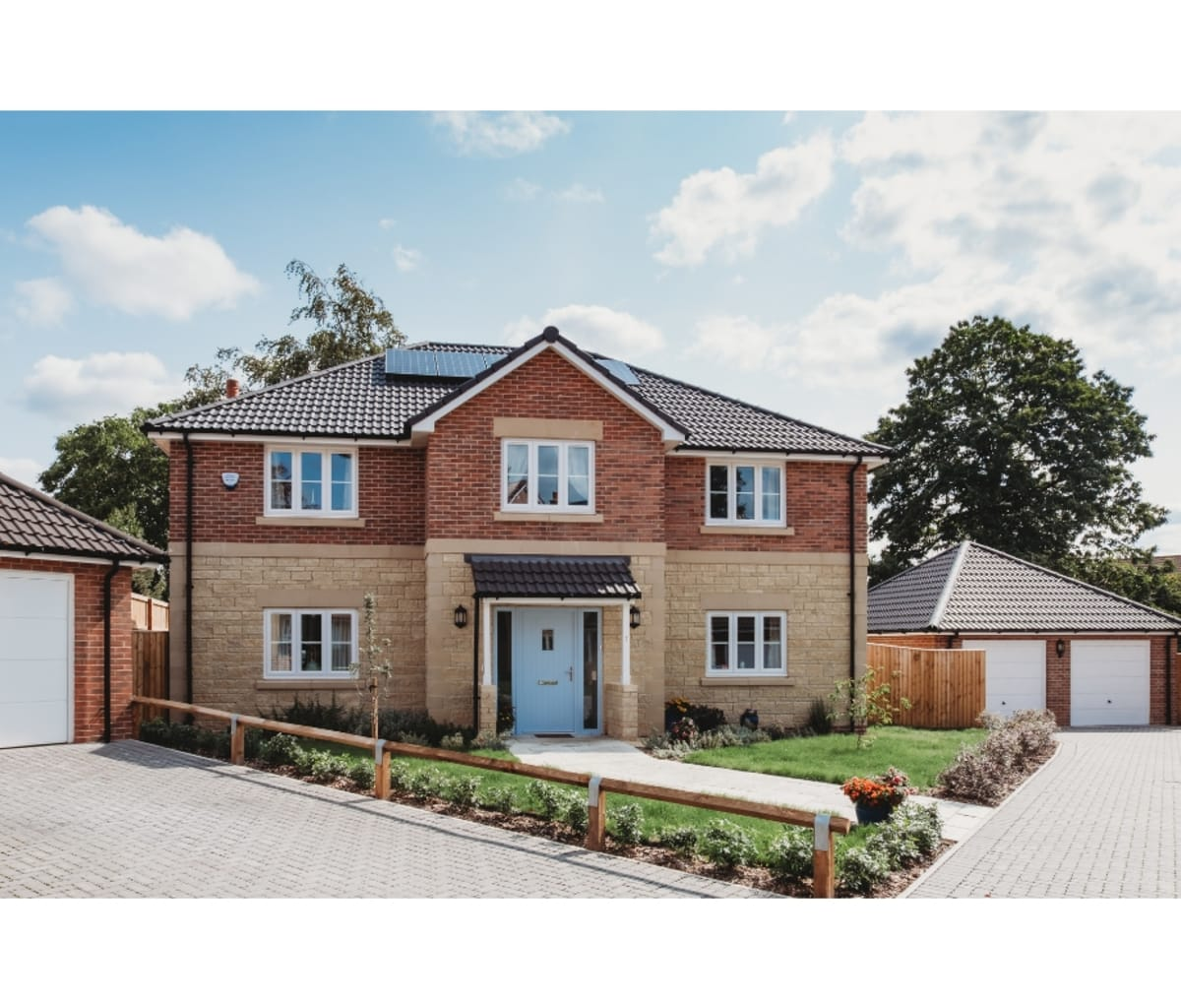 Tidcombe Redwood facing brick used for homes