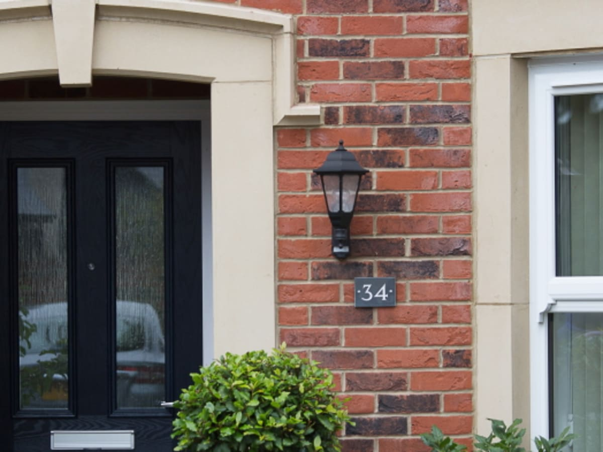 homes with a large range of bespoke cast stone detailing