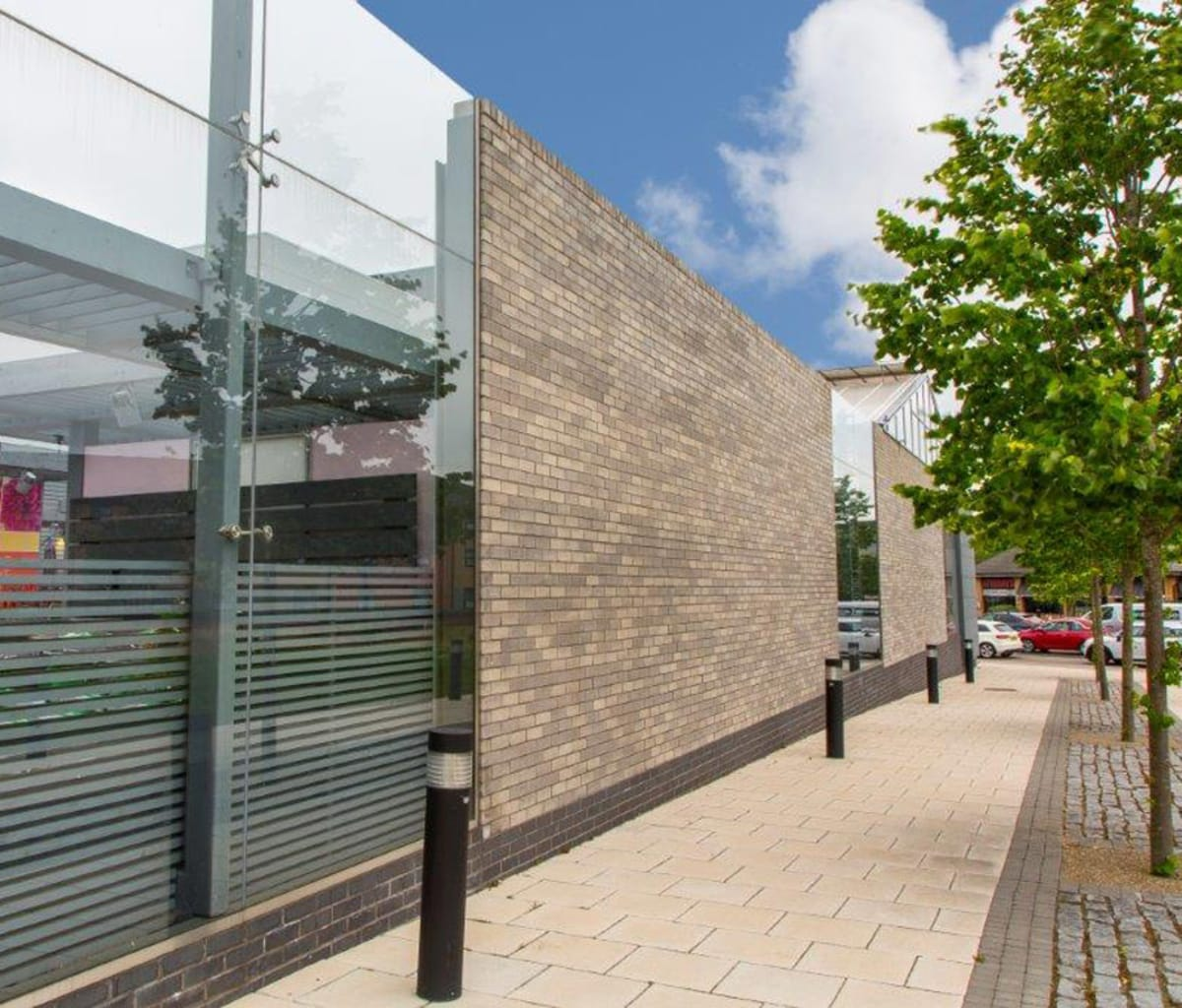 Meadowhall, Sheffield store used facing bricks