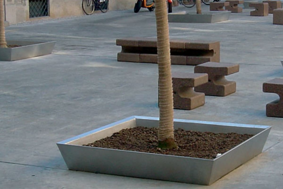 bellitalia quadro bench in concrete