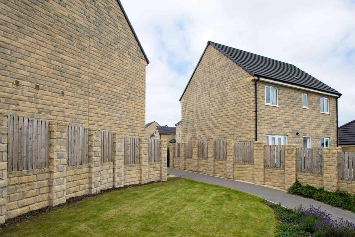 cromwell pitched stone walling - weathered
