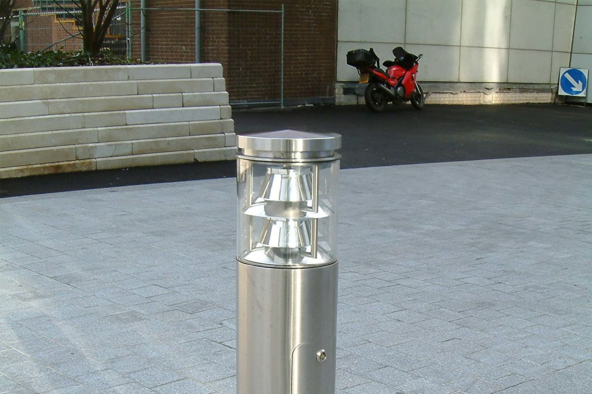 geo illuminated and customised floodlighting bollard