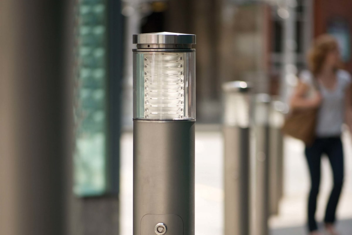 geo illuminated bollards