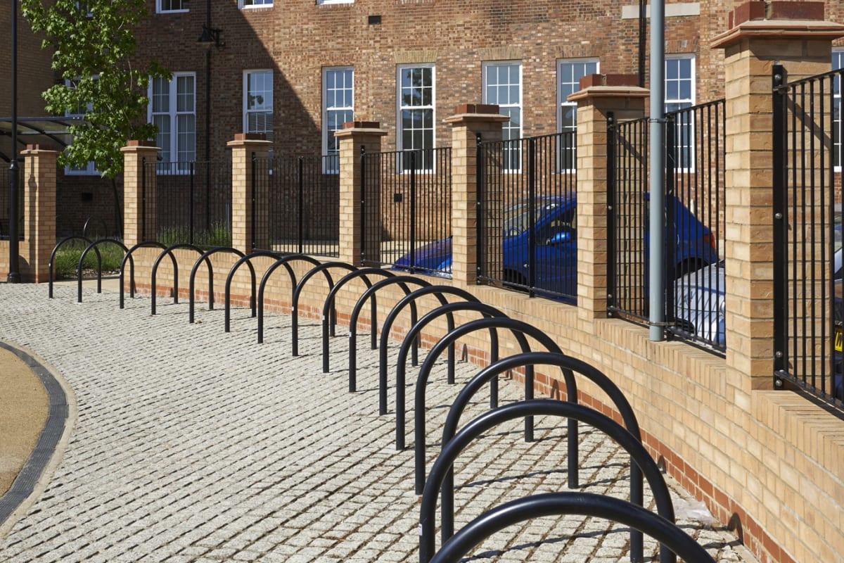 hoop cycle stands