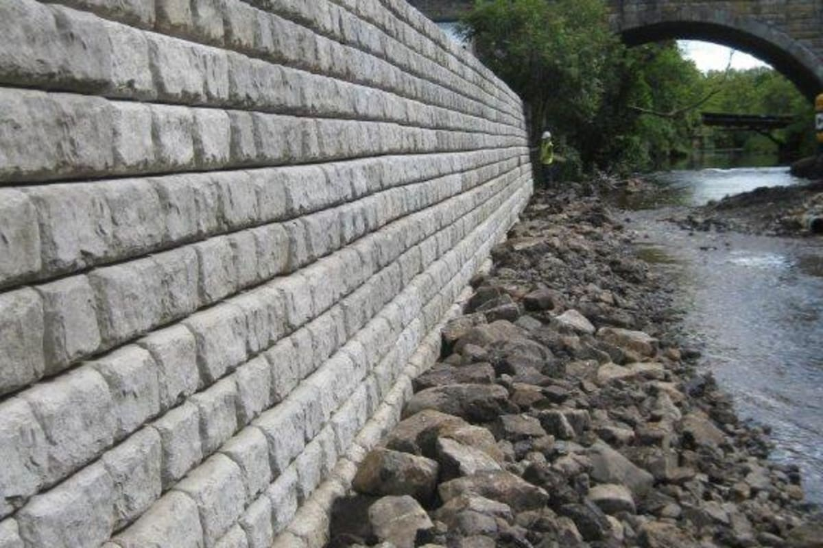 redi-rock modular flood walls
