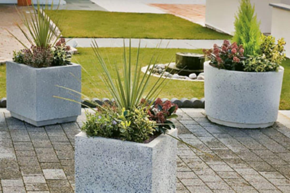 monoscape strada square concrete planter