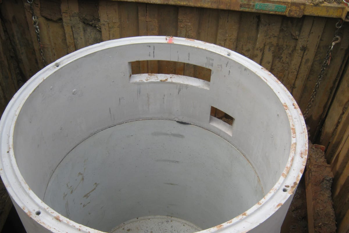 pump and wet well chamber installation
