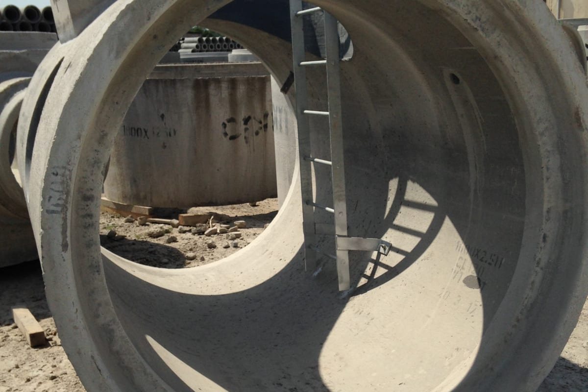 side and mid entry manholes