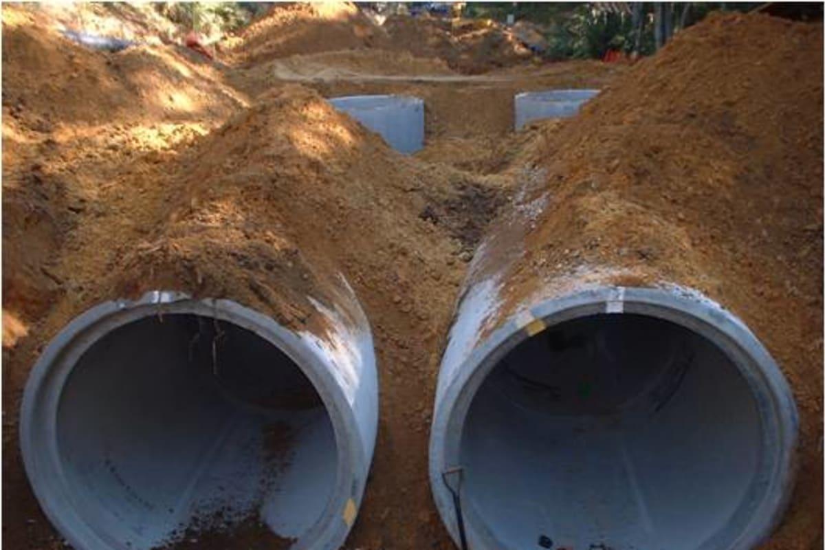 side entry manhole