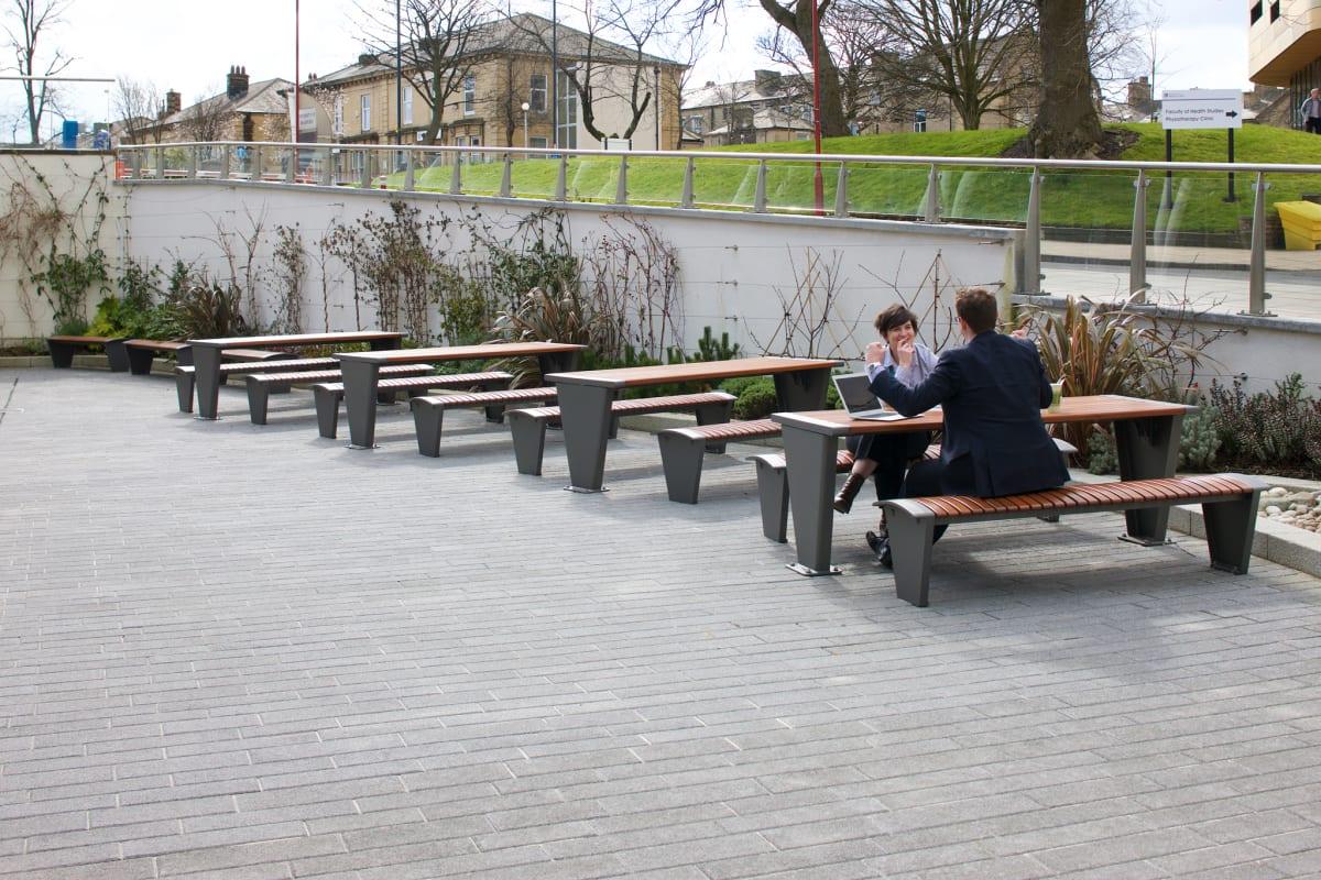 rendezvous picnic tables