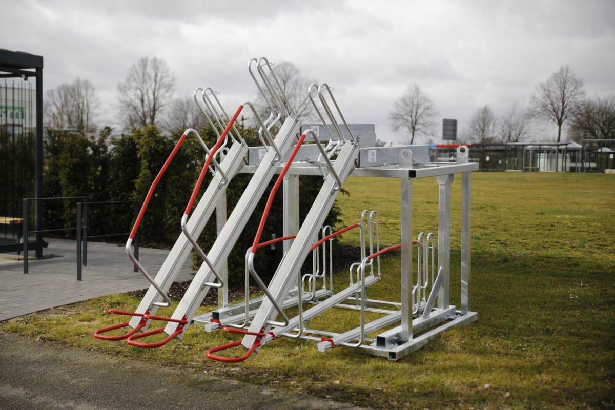 two tier cycle stand