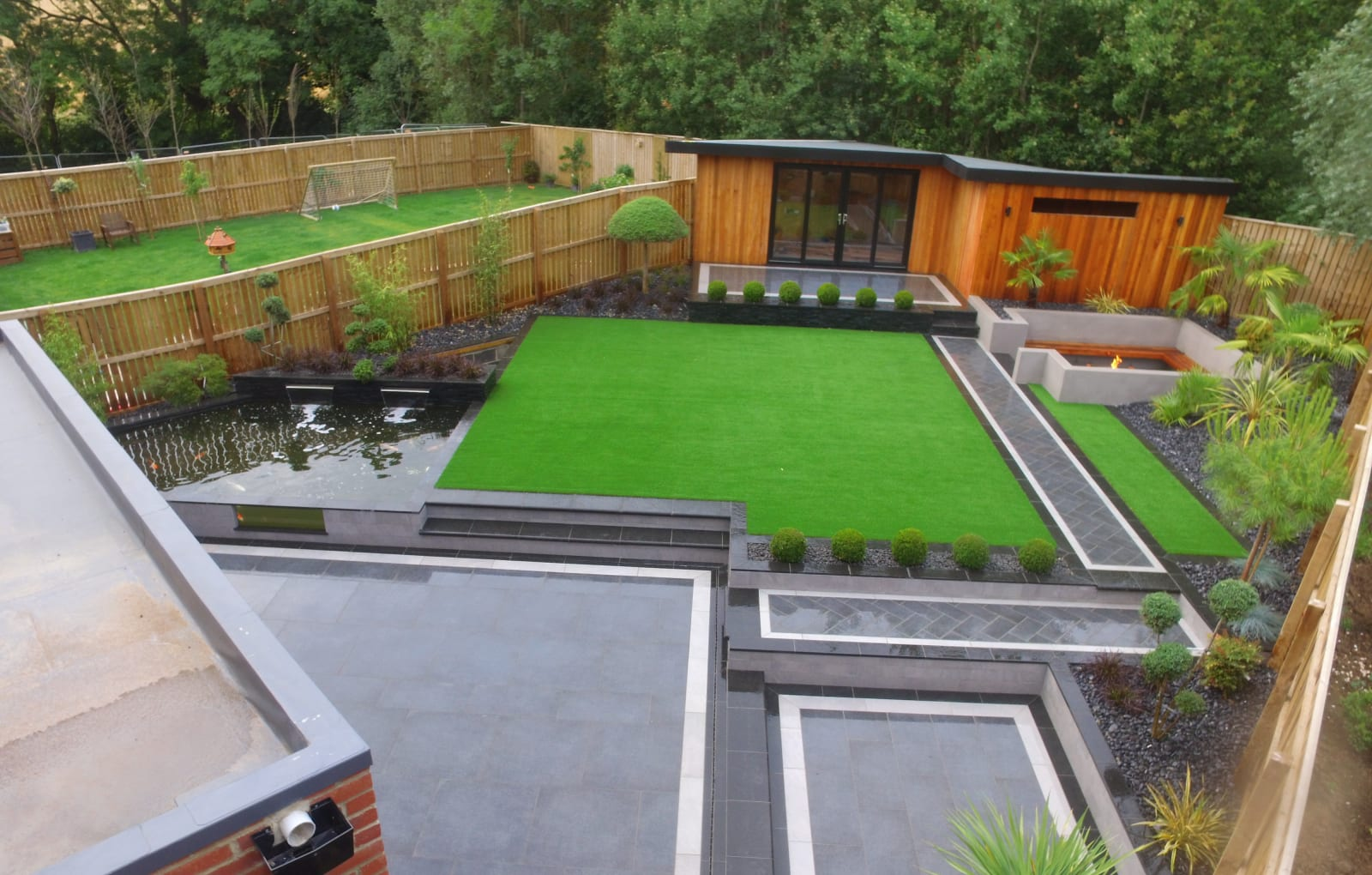 Symphony paving in Basalt with Granite Eclipse