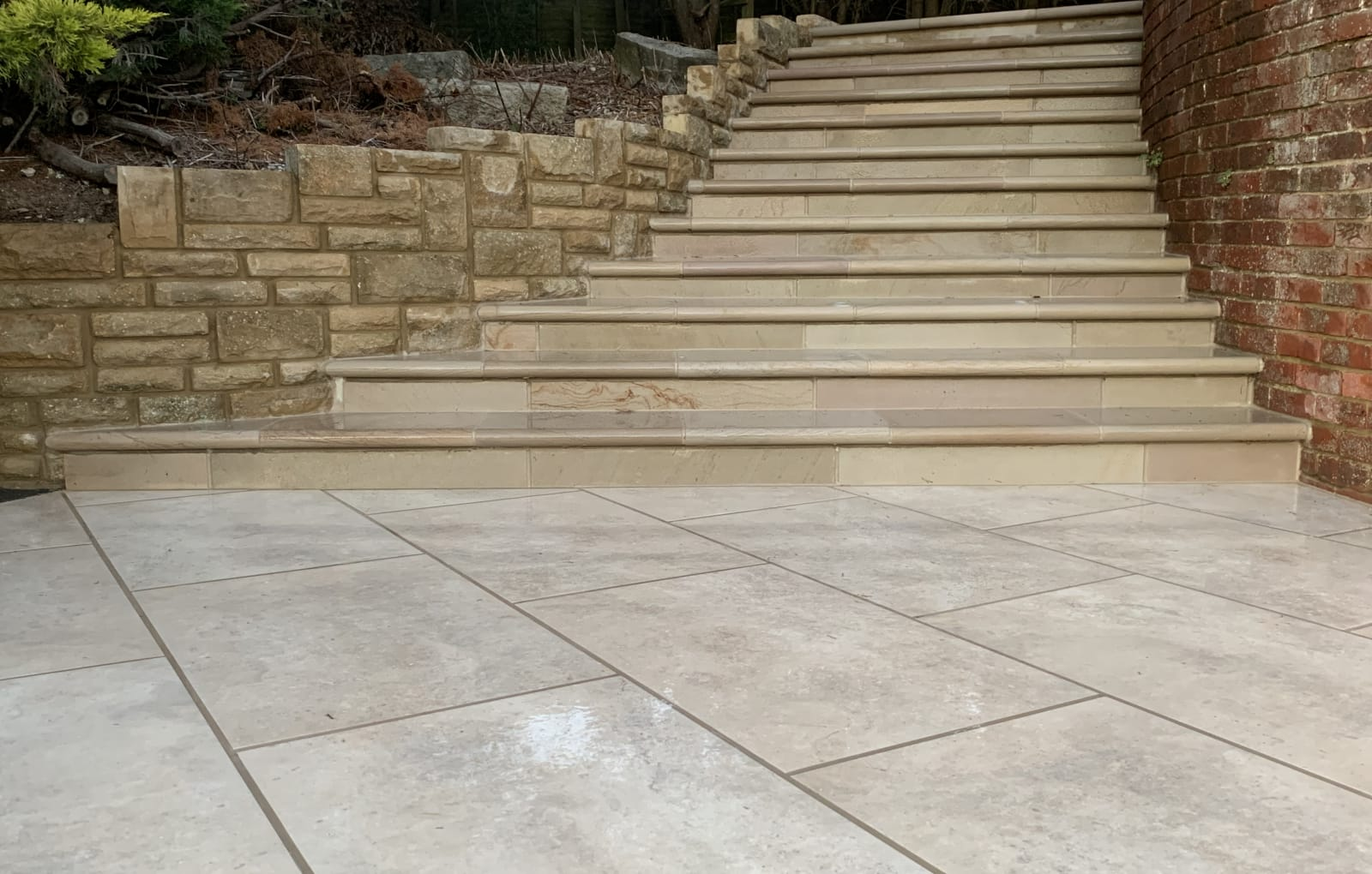 Marshalls Fairstone Sawn Versuro in Caramel Cream garden paving