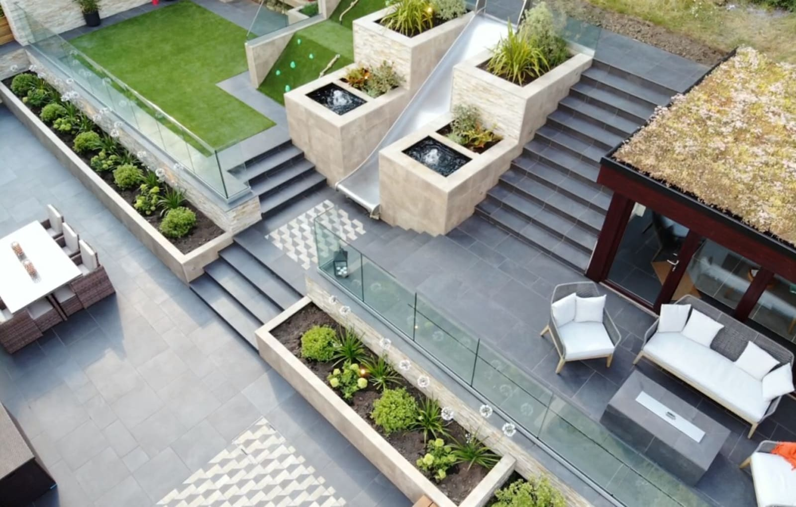 Luxury fun family garden