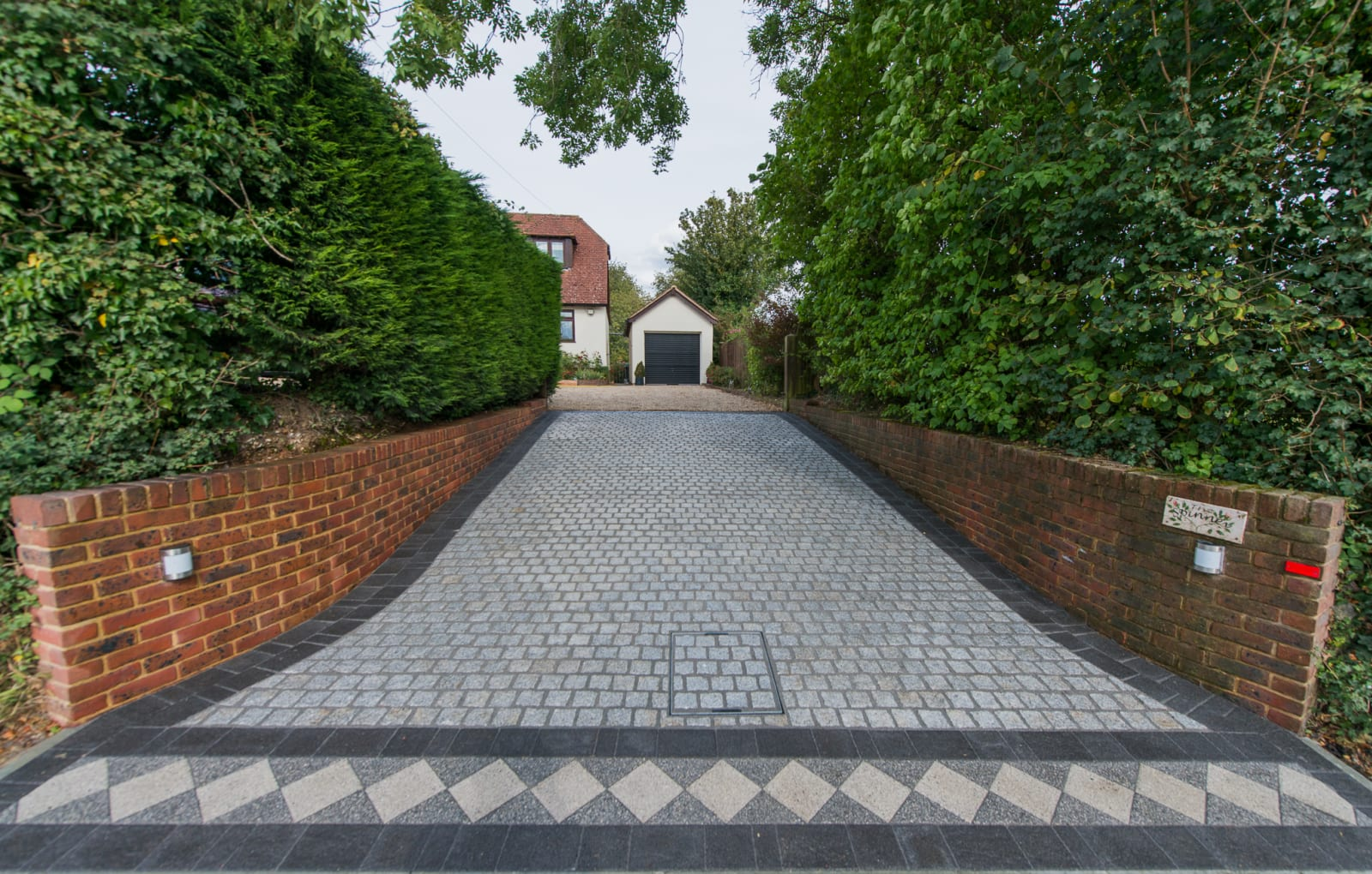 Marshalls Sawn Granite Setts and Drivesett Argent in Light and Dark block paving