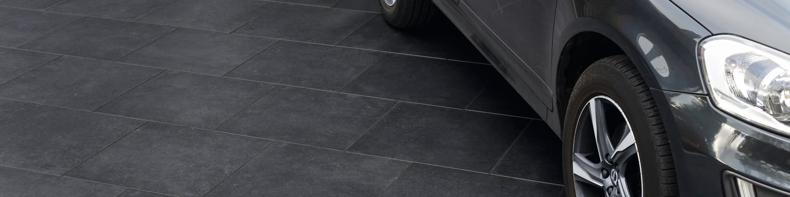 SYMPHONY Plus driveway in Charcoal