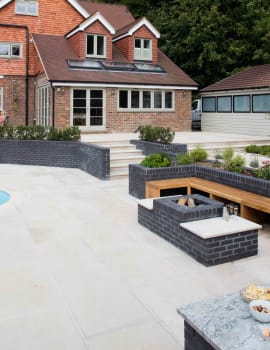 Gardens & Driveways Spaces