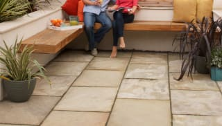 Marshalls Indian Sandstone in buff multi.
