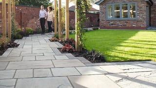 garden with patio