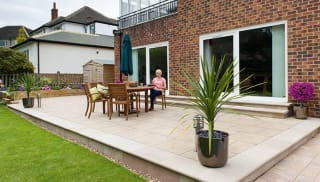 how to lay a patio on concrete