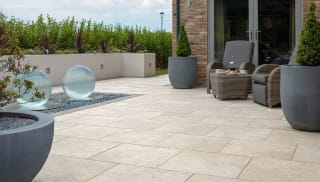 5 ways to maximise the outdoor space at a holiday cottage