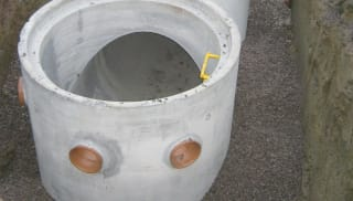 End Entry Manholes
