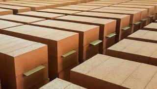 Multiple rows of red engineering bricks