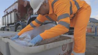 Laying mortar