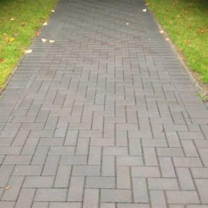 Enhanced-Driveway-Specialist-R00907_1