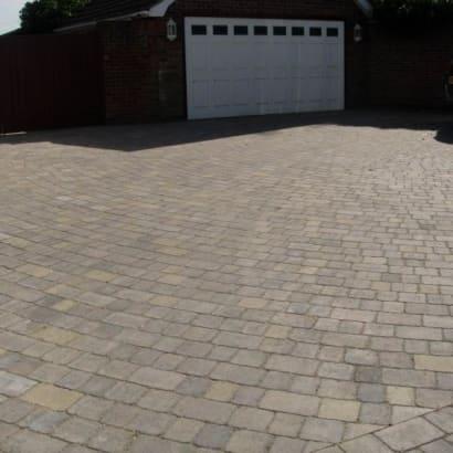 Enhanced-Driveway-Specialist-R01576_3