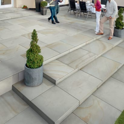 Fairstone Sawn Sandstone King Size Garden Paving - Antique Silver Multi