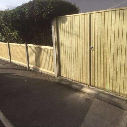 Fencing-Specialist-R02869_1