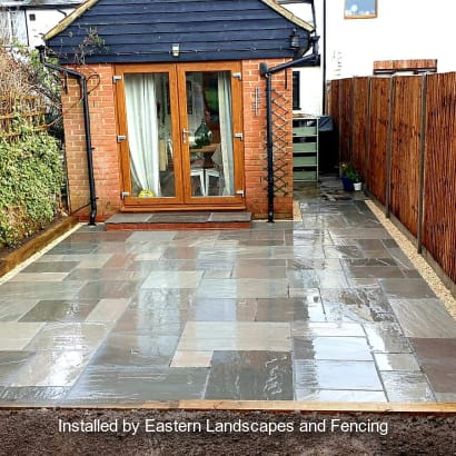 Patio Specialist - R03335