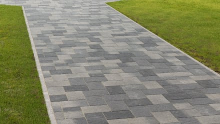 VIDEO: How to install Concrete Flag/Block Paving Flexibly
