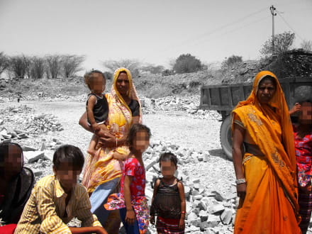 Marshalls CEO speaks directly with former child labourer in the sandstone sector in Rajasthan, India.