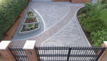 Marshalls Driveline Nova Coarse in Brindle and Pebble Grey block paving