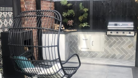 Symphony Urban in Steel and Alvanley Pavers in Outdoor Kitchen area