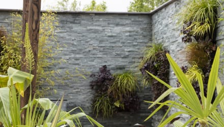 living green wall using drystack veneer
