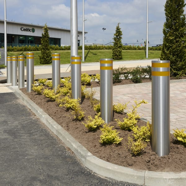 protective 75/40 stainless steel bollard