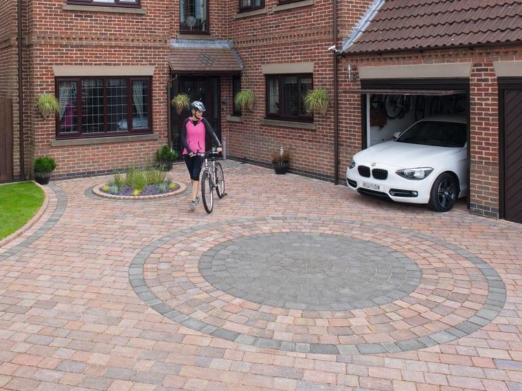 Drivesett® Tegula Original Block Paving Circle