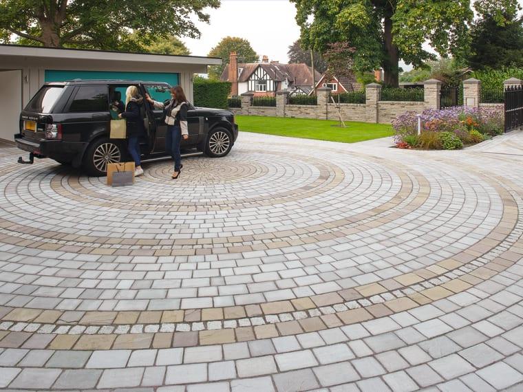 Marshalls Driveway Setts in Autumn Bronze.
