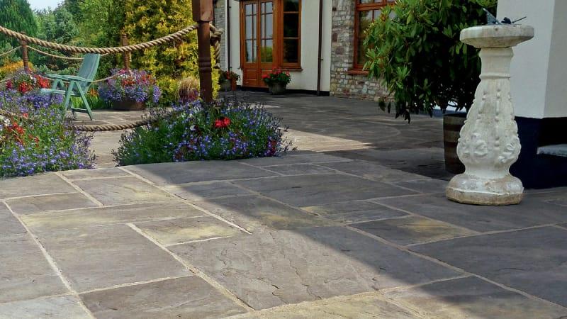 Heritage Riven Garden Paving - Old Yorkstone