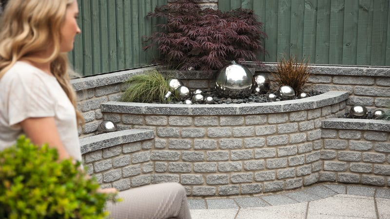 Marshalite Walling Rustic Finish In Ash Multi With Argent Dark Paving Cut As A Coping Unit