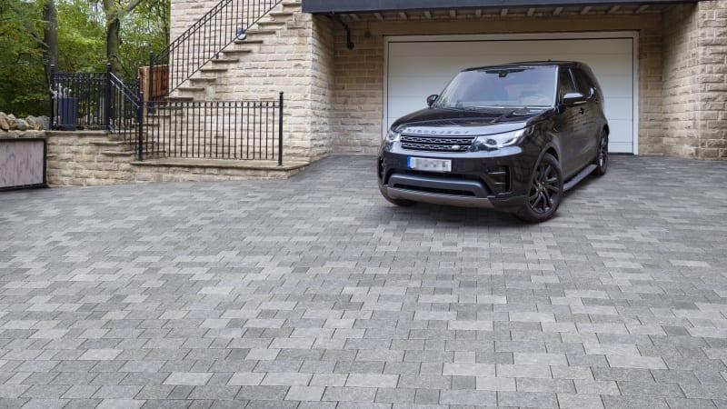 Bretton driveway paving in platinum