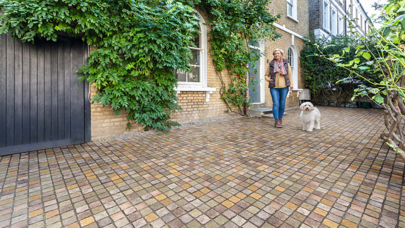 Marshalls Cropped Porphyry Setts In Imperial.