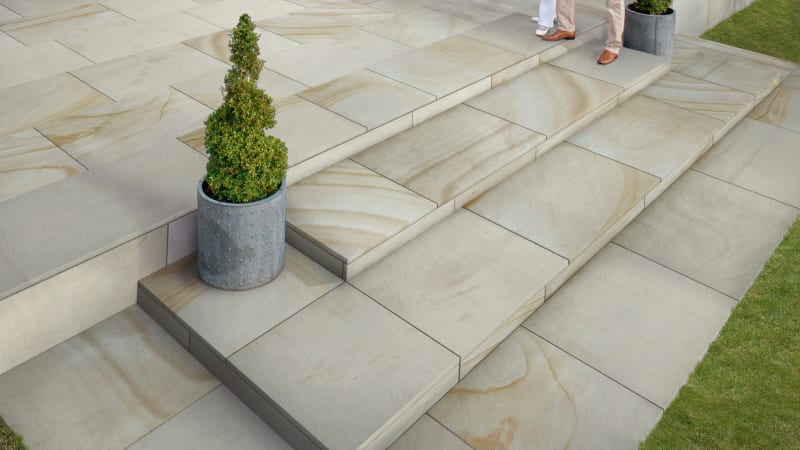 Marshalls Sawn Versuro Jumbo garden paving laid in a patio area